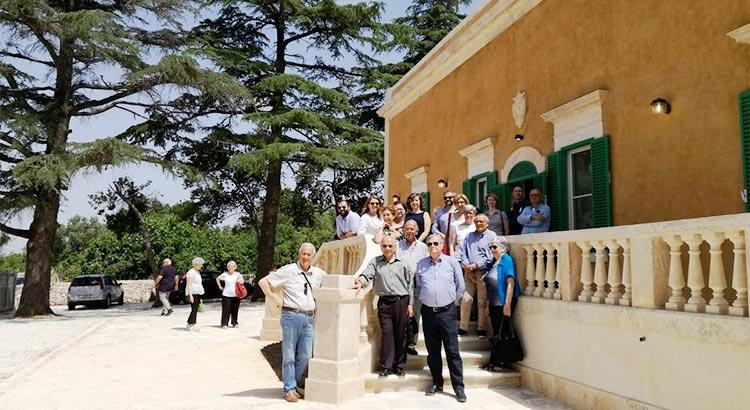 Visita alla villa-casina Mandoj-Albanese