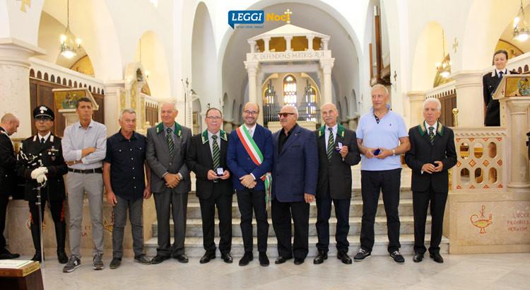 I Cc Forestali omaggiano San Giovanni Gualberto, encomi per i congedati