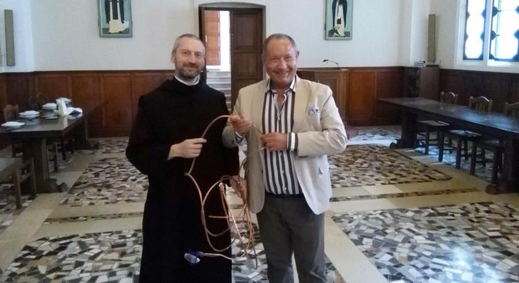 Madonna della Scala: Vicenti dona opera su San Pietro