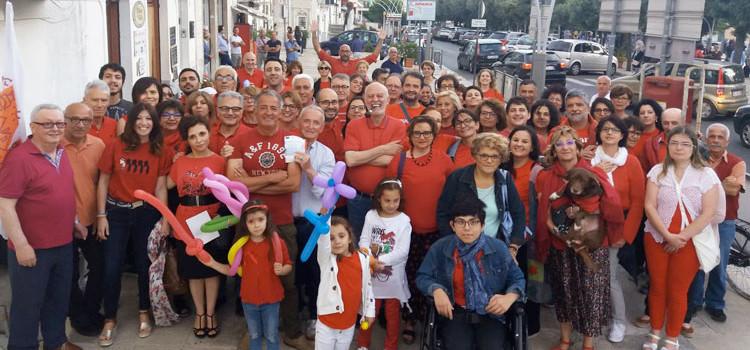 Una maglietta rossa per un'accoglienza capace di coniugare sicurezza e solidarietà