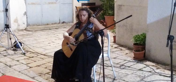 La chitarra romantica di Federica Canta