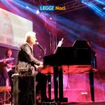serata-emigrante-2018-minghi-palco-pianoforte
