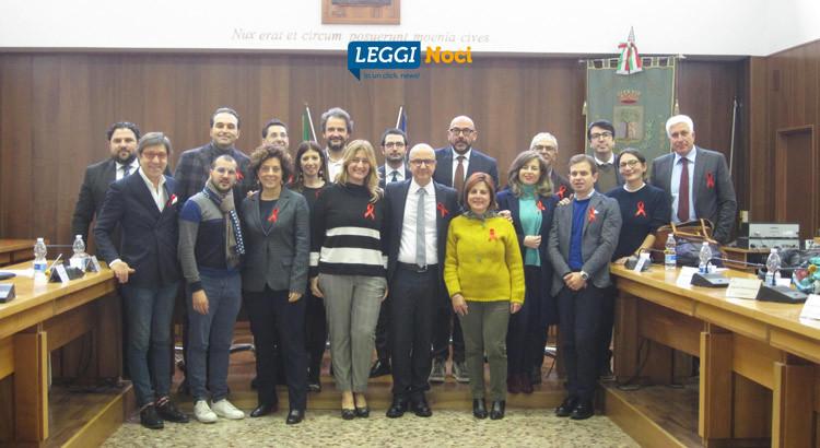Consiglio Comunale: in Aula con un fiocco rosso contro la violenza sule donne