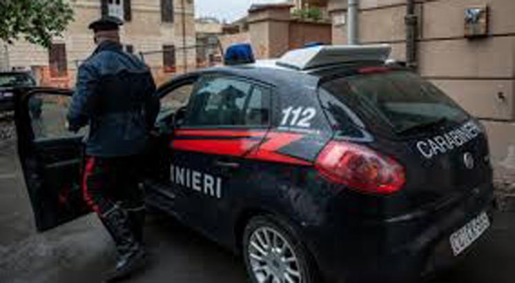 Arrestati due pregiudicati per tentata estorsione ed incendio