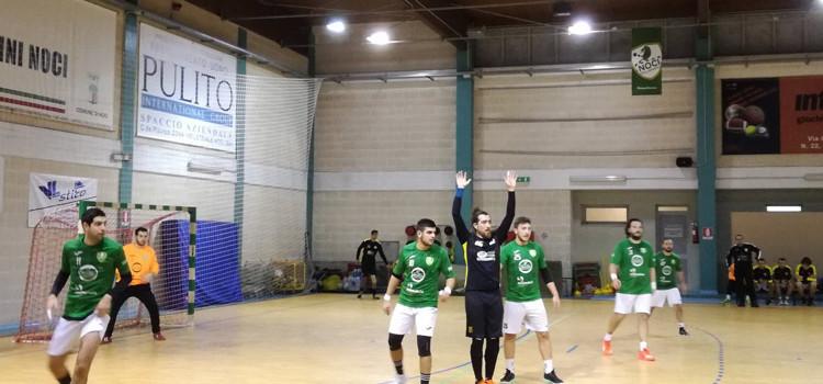 Pallamano Noci: vittoria in scioltezza contro l'ultima della classe