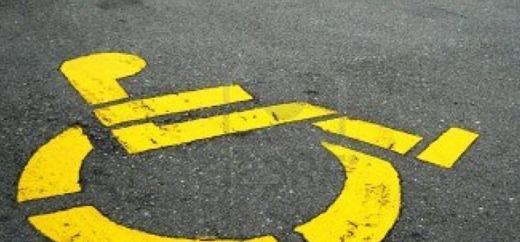 Verifiche a tappeto su autorizzazioni per stalli disabili: 19 le autorizzazioni ritirate