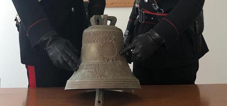Recuperata dai carabinieri una campana trafugata al palazzo vescovile