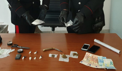 I carabinieri arrestano 3 pusher