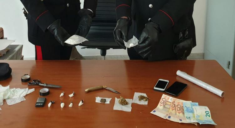 I carabinieri arrestano 3 pusher