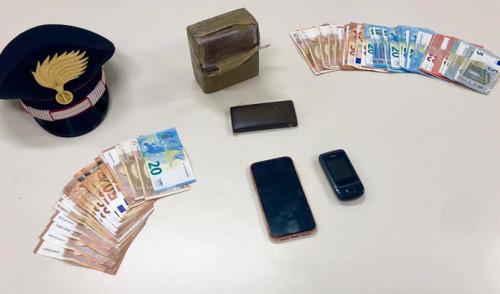 """Arrestati due """"pusher"""" ad un controllo stradale dei Carabinieri"""