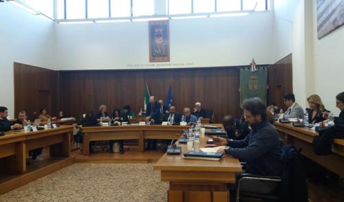 Passano i tre punti all'ordine del giorno del Consiglio Comunale