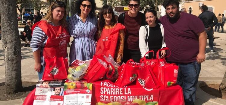 Mele Aism, a Noci venduti 90 sacchetti per la lotta contro la Sclerosi Multipla