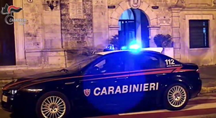 Intervento dei Carabinieri in uno scambio di droga. Arrestati due pusher del luogo
