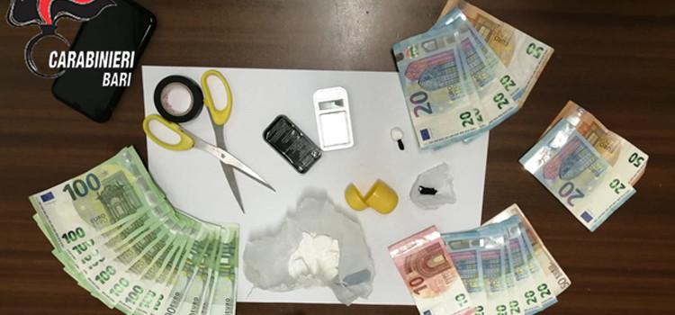 Sorpreso con la cocaina. Arrestato un pusher 23enne