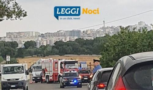 S.P. Noci – Putignano: mezzo raccolta rifiuti taglia la provinciale impattando una vettura