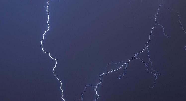 Meteo: Allerta Arancione per temporali e vento