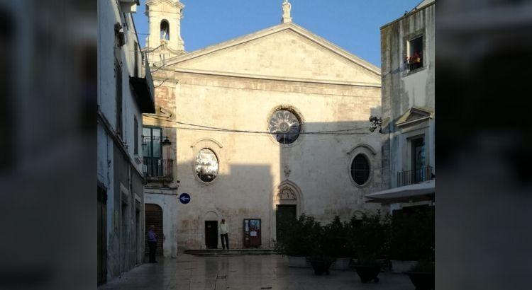 Individuata zona pedonale nel centro storico per tutta l'estate