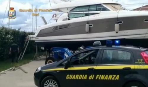Sequestro di immobili di lusso, di uno yacht e di disponibilità bancarie, del valore complessivo di circa 2,5 mln di €