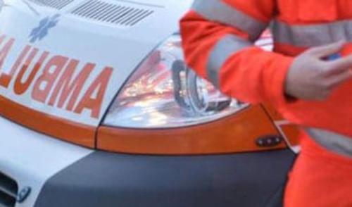 Drammatico scontro tra un'auto e una moto a Noci