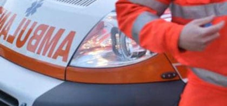 Schianto in Via Mottola: 4 auto coinvolte