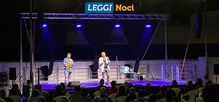 """Gene Gnocchi ed il suo esilarante """"Sconcerto Rock"""": «qui a Noci un bel pubblico»"""
