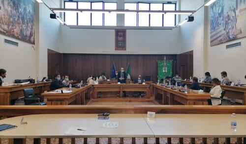 Il Consiglio Comunale approva tutti i punti all'ordine del giorno