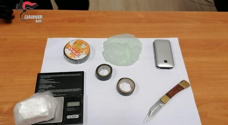 Putignano: arrestato un 53enne, con oltre cento grammi di polvere bianca