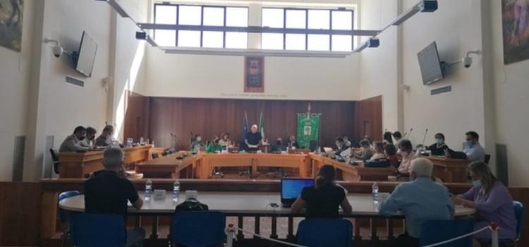 Il Consiglio comunale approva il Rendiconto di gestione 2020 e la cittadinanza onoraria alla Sen. Segre