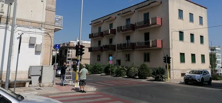 Sostituiti gli impianti semaforici di via Cappuccini e via San Domenico